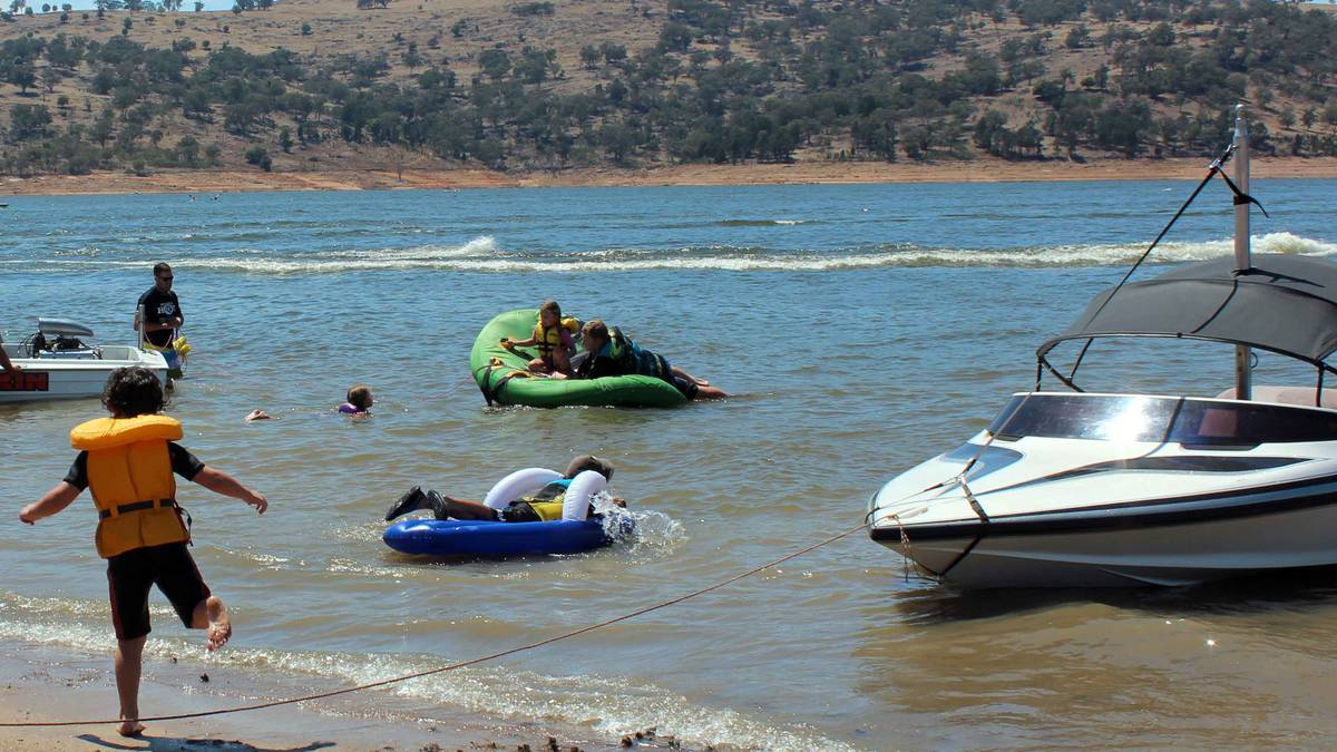 BOATING ISSUES: Boat owners are unhappy with a decision banning fuel from being carted into recreation areas including Lake Burrendong and Wyangala Dam. Photo: FILE PHOTO